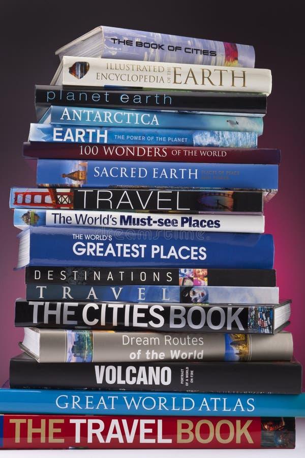 De Boeken van de reis - wereldwijd stock afbeeldingen