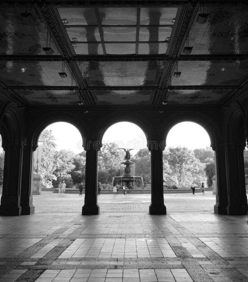 De Bogen van Bethesda Terrace van het Centrale Park stock afbeeldingen