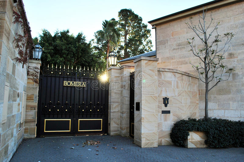 De Bomera-poort Bomera is het Italianate-herenhuis van zandsteen Historische Sydney, dat op het Potts-Puntschiereiland wordt geve royalty-vrije stock afbeeldingen