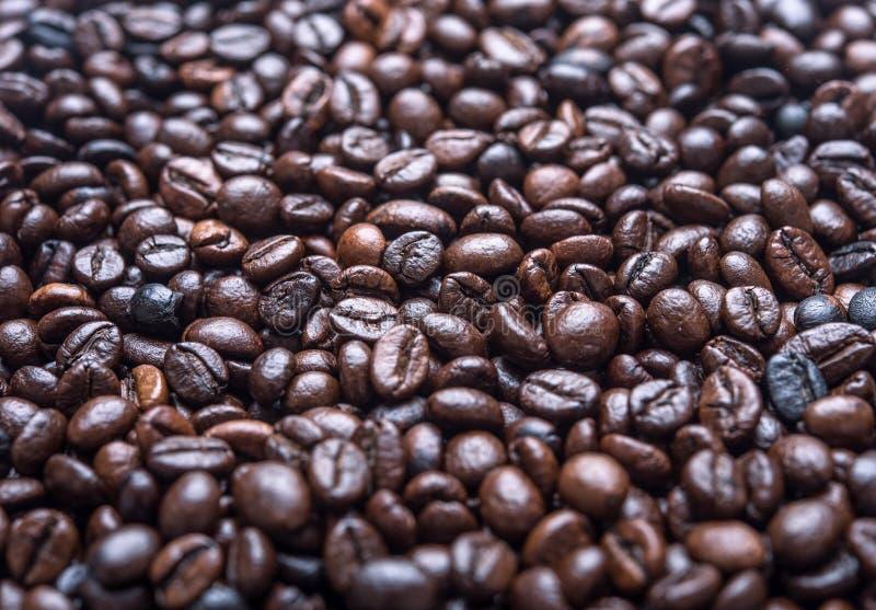 De bonen van de koffie Achtergrond van koffiebonen royalty-vrije stock afbeelding