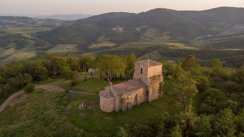 De bonnet van Chapelleheilige, sorlin Rhône Frankrijk van montmelasheilige stock fotografie