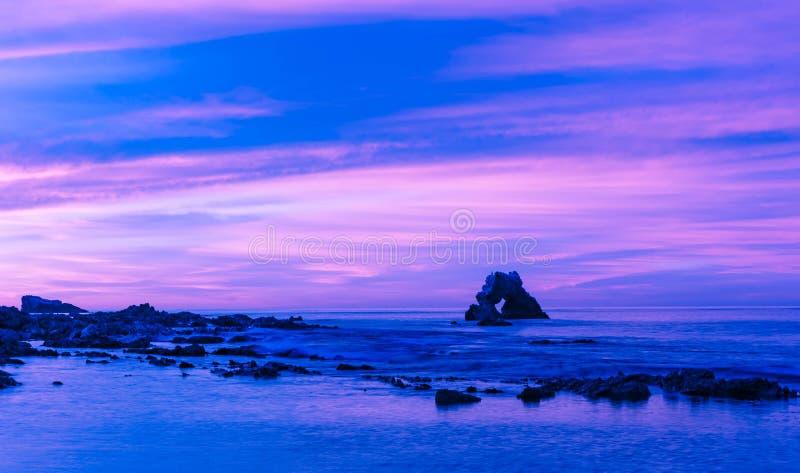 De Boog in Corona Del Mar Beach, Californië stock afbeelding