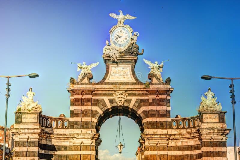 De boog Giuseppe Garibaldi, Catanië, Sicilië stock foto's