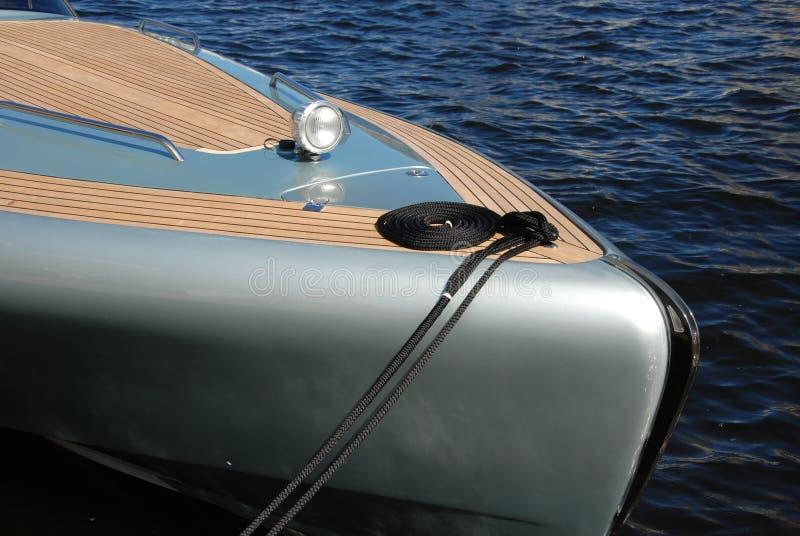 De boog van het Jacht van de luxe bij dok stock foto's
