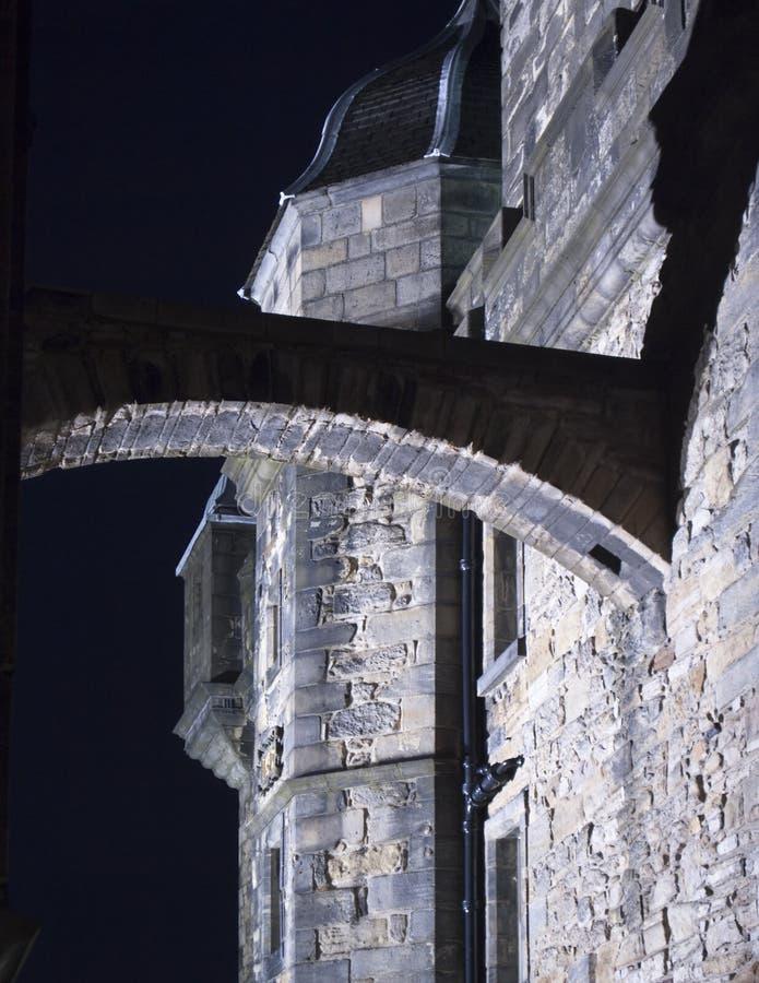 De Boog van het Kasteel van Edinburgh bij Nacht royalty-vrije stock foto