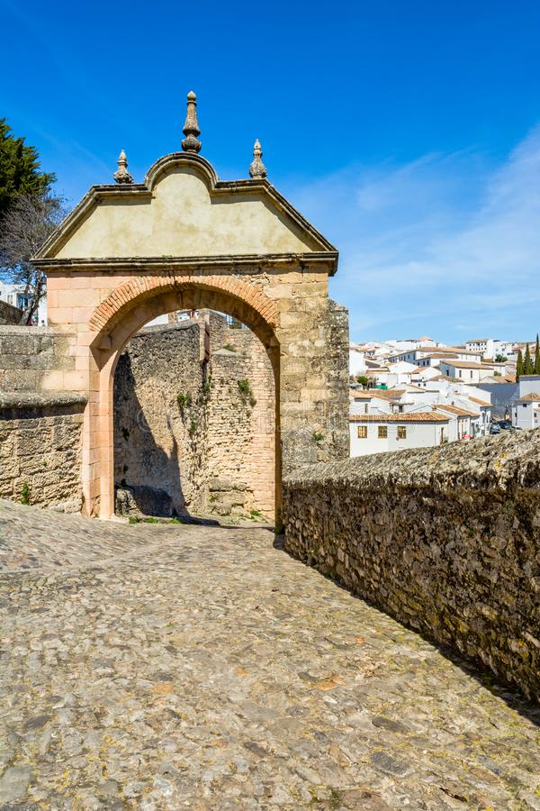 De Boog van Philip V in Ronda, Spanje stock afbeelding