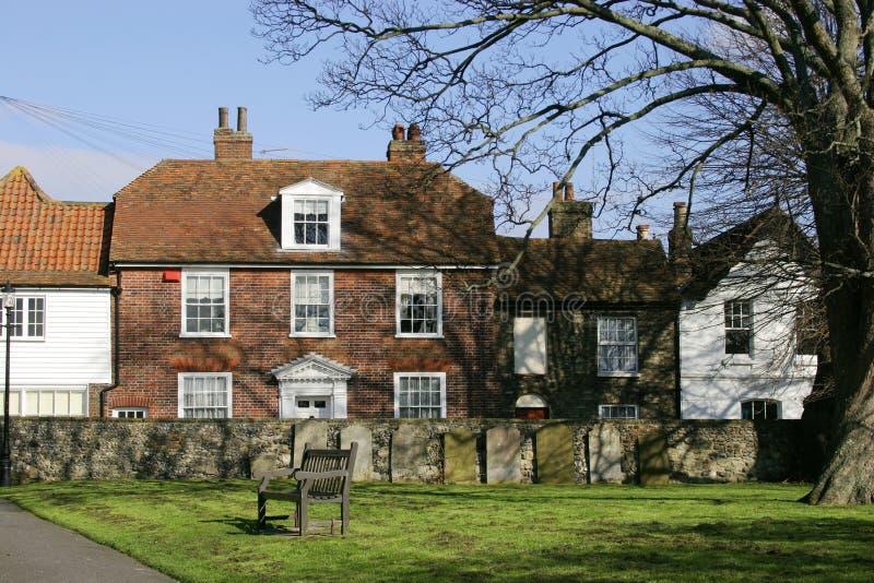 De Boom en het Huis van het kerkhof royalty-vrije stock afbeelding