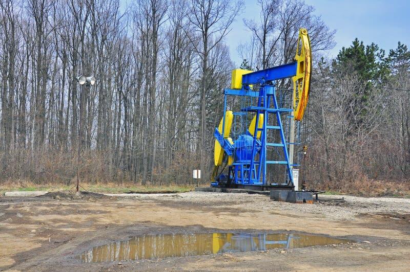 De boortoren van de olie stock afbeelding