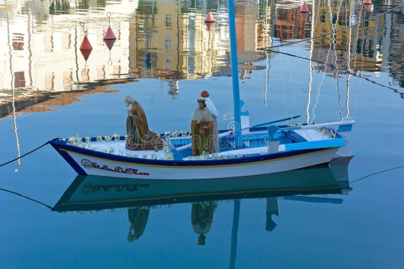 De Boot die Drie Magi in de het Drijven Geboorte van Christusscène dragen stock fotografie