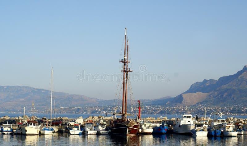 De boot van de haven royalty-vrije stock afbeelding