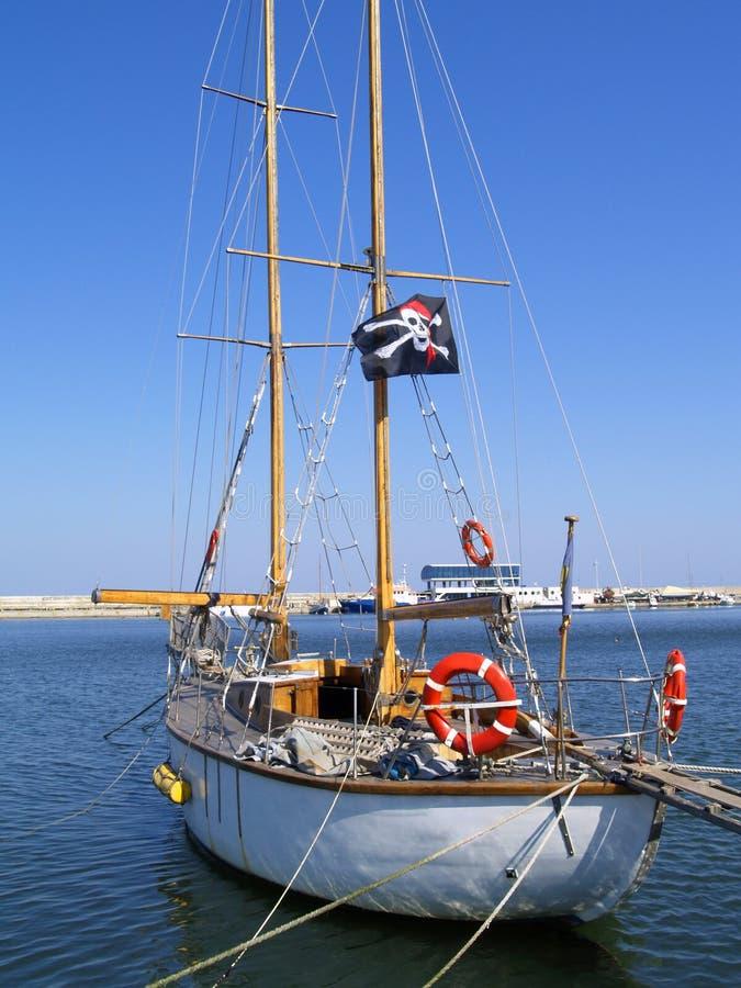 De boot van de piraat stock afbeeldingen