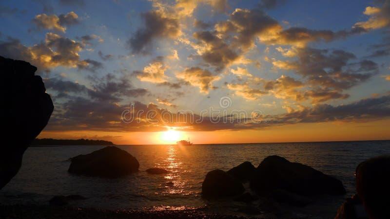 De Boot van de zonsondergang royalty-vrije stock afbeelding