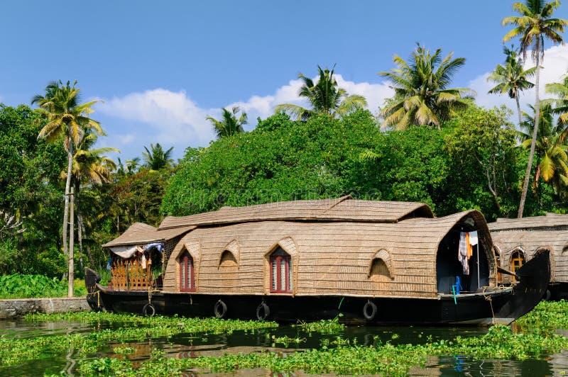 De boot van het huis - Kerala, India stock afbeelding