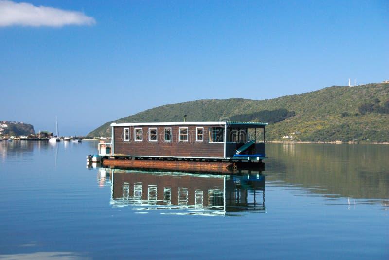 De Boot van het huis op Lagune Knysna royalty-vrije stock afbeelding