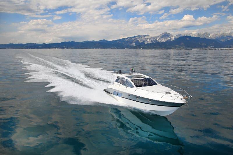 De boot van het motorjacht stock fotografie