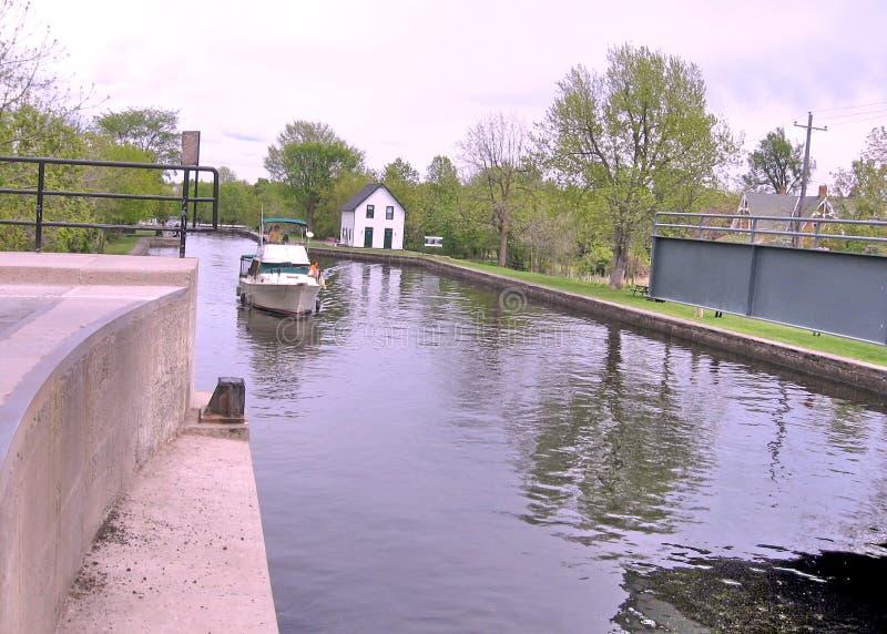 De boot van Merrickville van het Rideaukanaal vóór slot Mei 2008 royalty-vrije stock afbeelding