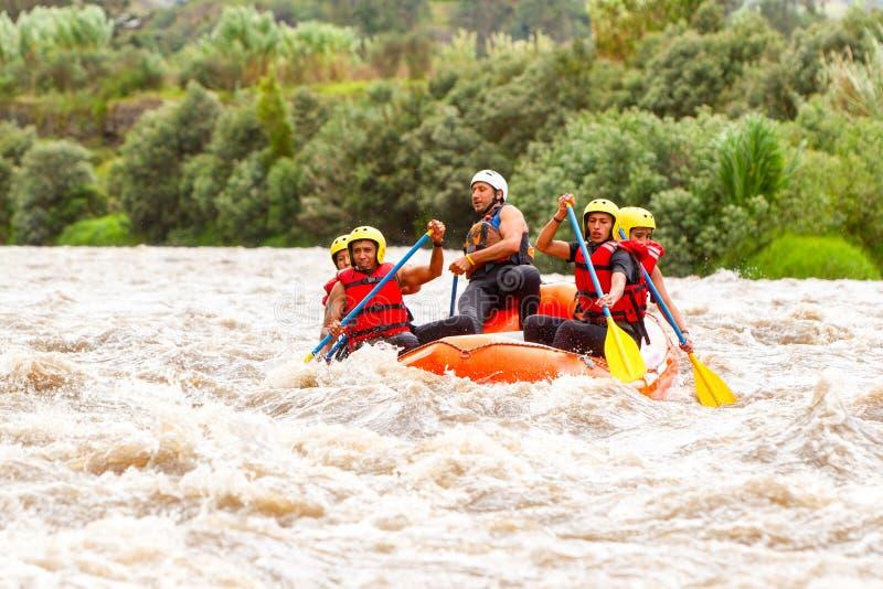 De Bootavontuur van Rafting van de Whitewaterrivier royalty-vrije stock afbeeldingen
