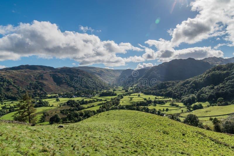 De Borrowdalevallei en het omringen fells royalty-vrije stock foto's