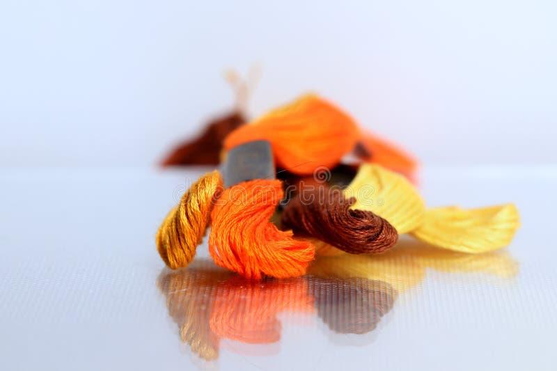 De bos van kleurendraden stock fotografie