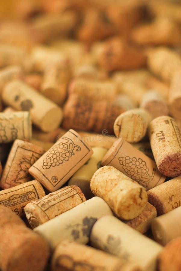 De bos van wijn kurkt stock afbeeldingen