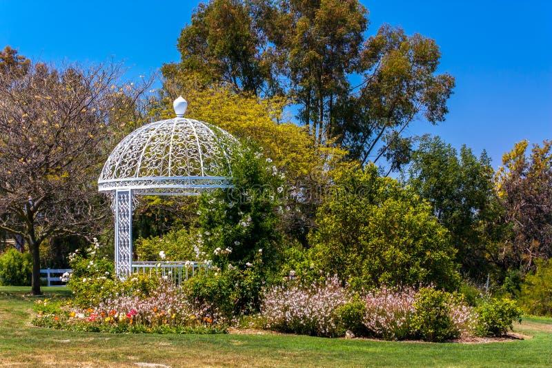 De Botanische Tuin van de Kust van Gazebo van het huwelijk atSouth stock fotografie