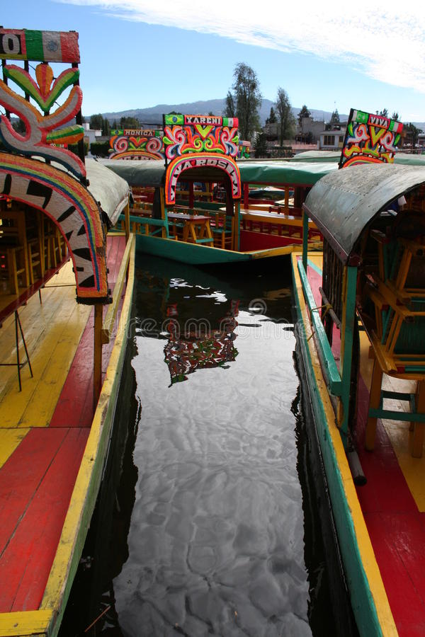 De boten van Colorfull in Xochimilco - Mexico stock fotografie
