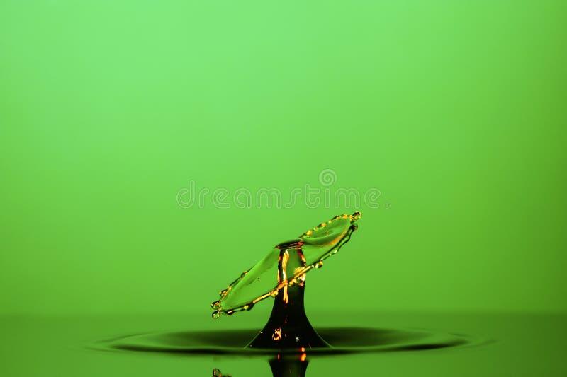 De Botsingsclose-up van de waterdaling royalty-vrije stock fotografie