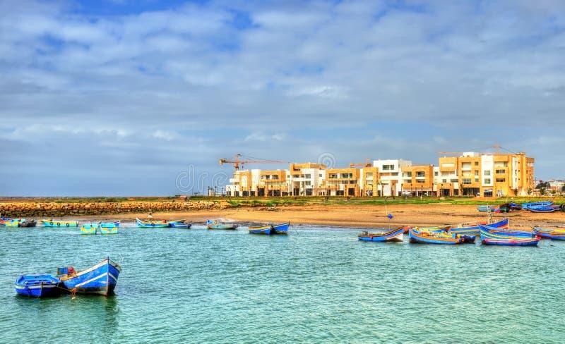 De Bou Regreg-rivier tussen Rabat en Verkoop in Marokko stock foto's