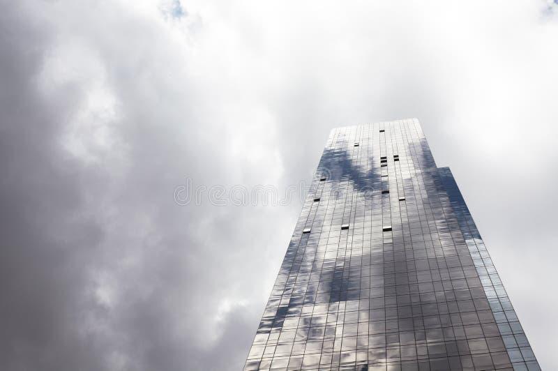 De bouw en hemel stock foto