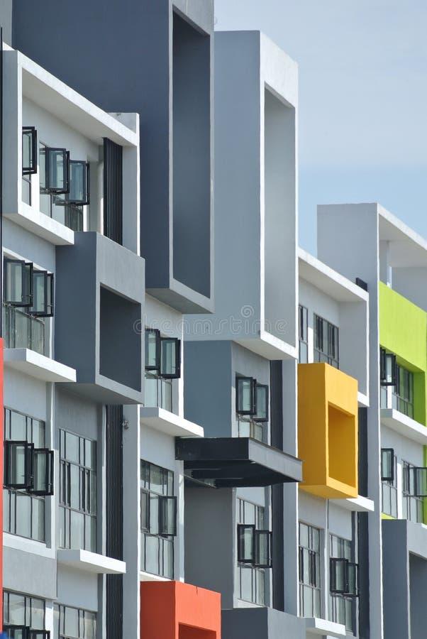 De bouw façade ontwerp met patroon en kleuren royalty-vrije stock afbeelding