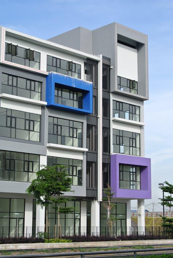 De bouw façade ontwerp met patroon en kleuren royalty-vrije stock foto