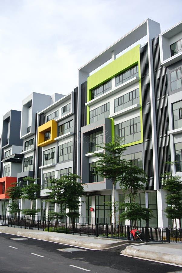 De bouw façade ontwerp met patroon en kleuren royalty-vrije stock afbeeldingen