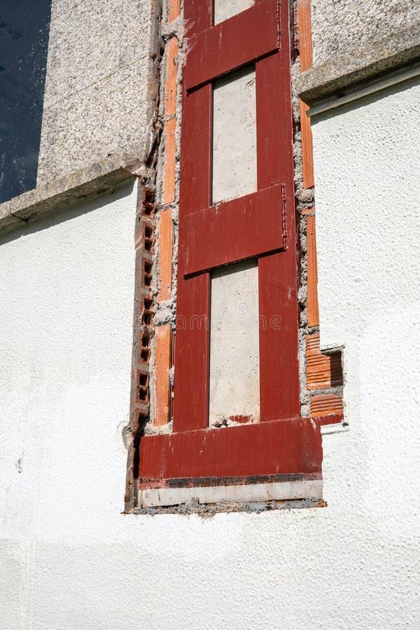 De bouw met metaalstructuur bij reparatie royalty-vrije stock afbeelding