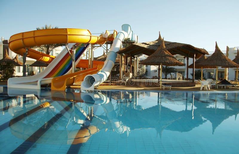De bouw van Aquapark stock afbeeldingen