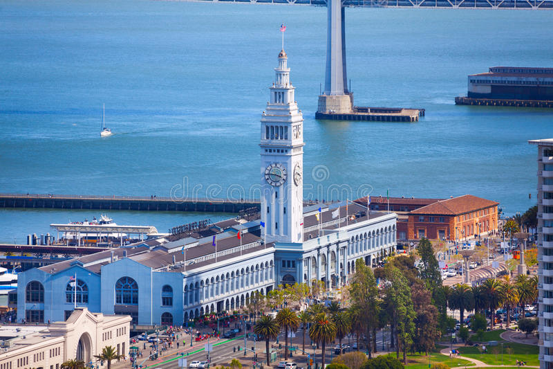 De bouw van de de pijlertoren van de veerboothaven in San Francisco royalty-vrije stock afbeeldingen