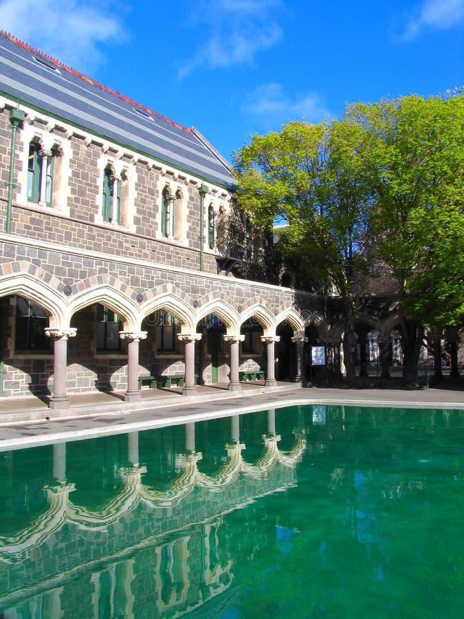De Bouw van de geschiedenis in Christchurch (Spiegel) stock fotografie