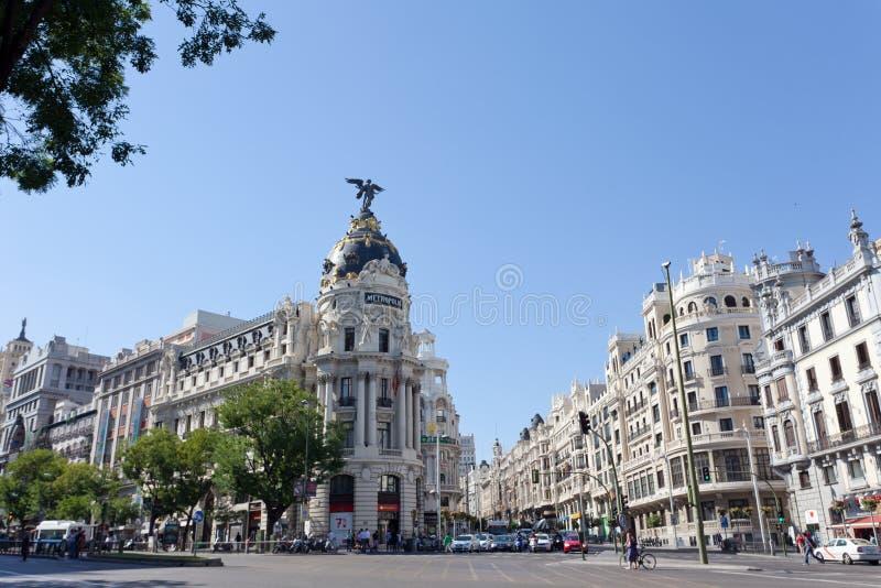 De bouw van de metropool gelegen aan representatieve Gran Via-straat royalty-vrije stock foto
