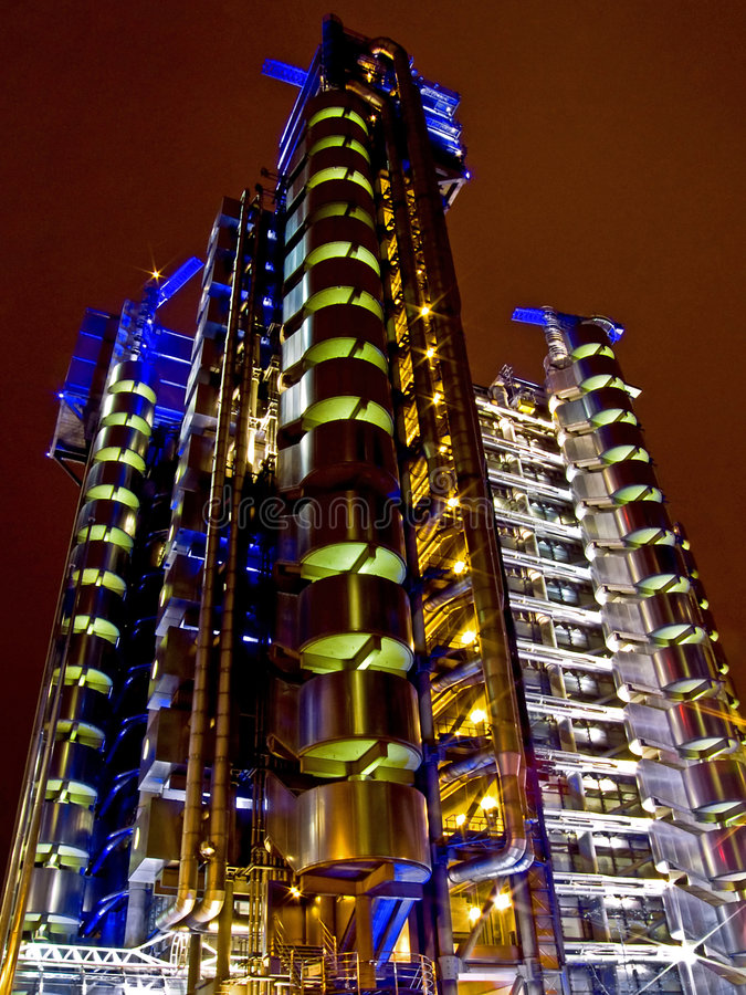 De bouw van de nacht royalty-vrije stock afbeelding