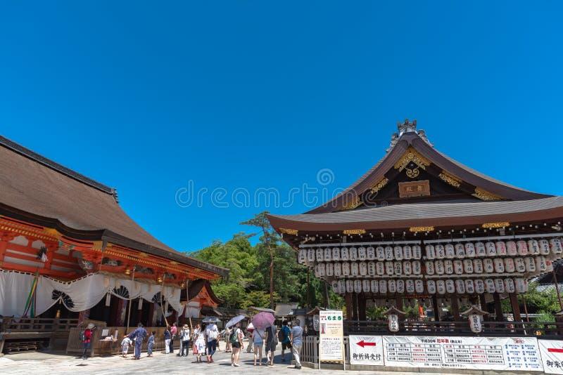 De bouw van een dansstadium met honderden lantaarns in Yasaka of Gion Shrine stock afbeeldingen