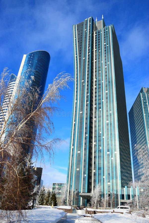 De bouw van geroepen SMARAGDGROEN KWART in Astana royalty-vrije stock fotografie