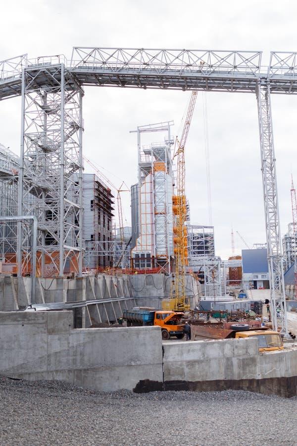 De bouw van graanschuuren Moderne silo's voor het opslaan van Landbouw van de korreloogst royalty-vrije stock afbeelding