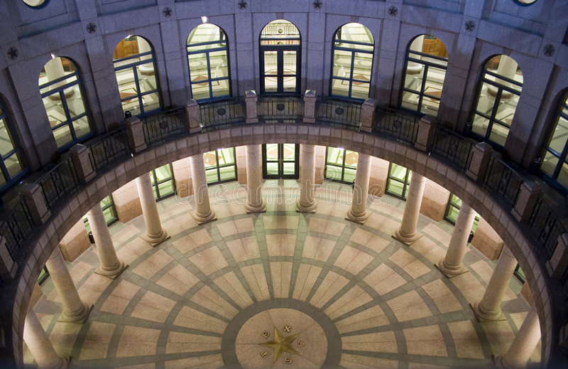 De Bouw van het Capitool van de staat bij Nacht in Austin Van de binnenstad, Texas stock afbeelding