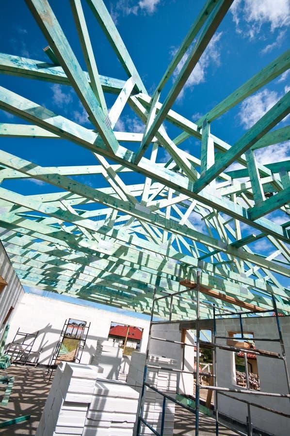 De bouw van het dak royalty-vrije stock afbeeldingen