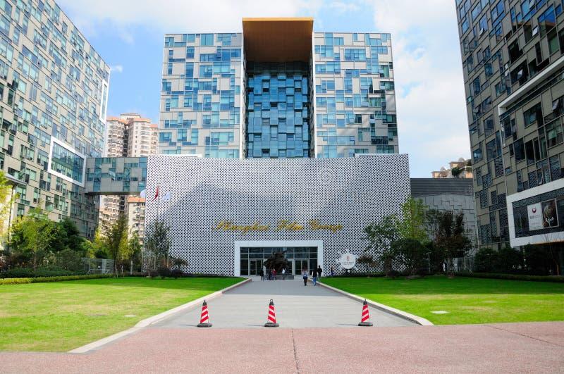 De bouw van het de Filmmuseum van Shanghai royalty-vrije stock foto's