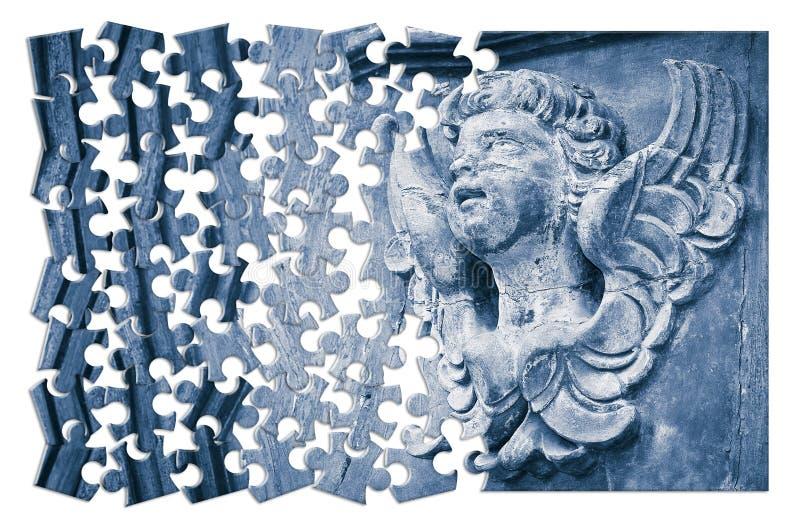 De bouw van het geloof Conceptenbeeld met een beeldhouwwerk van een engel o royalty-vrije stock afbeelding