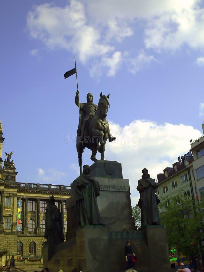 De bouw van het Nationale Museum in Praag Bouw van het neo-renaissance de Nationale Museum Tsjechische Republiek stock fotografie