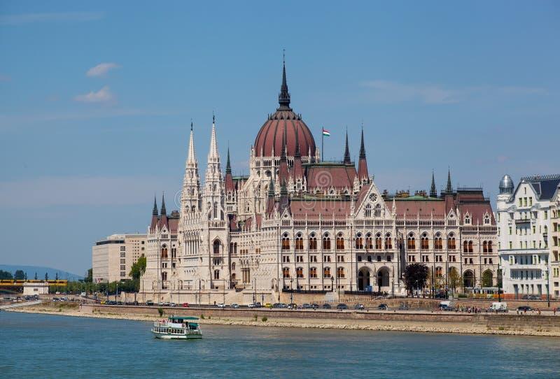 De bouw van het Parlement in Boedapest, Hungar stock foto's