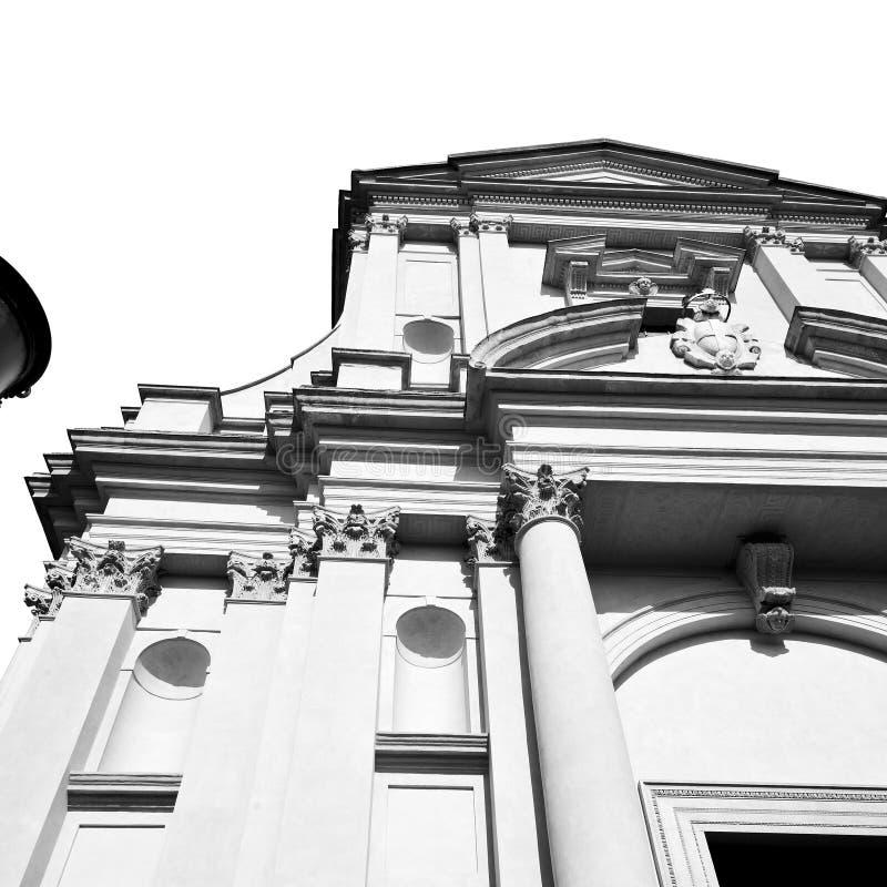 de bouw van oude architectuur in de godsdienst a van Italië Europa Milaan stock afbeelding