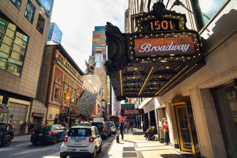 De Bouw van Paramount, 1501 Broadway, tussen het Westen drie?nveertigste en vierenveertigste Straten wordt gevestigd in The Times royalty-vrije stock foto