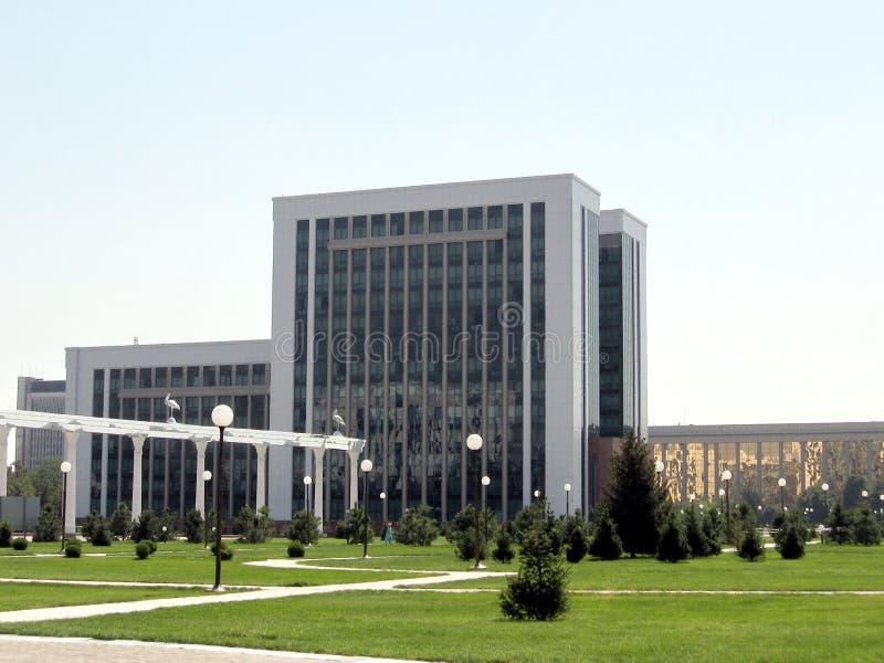 De bouw van Tashkent van het Ministerie van Financiën 2007 stock foto's